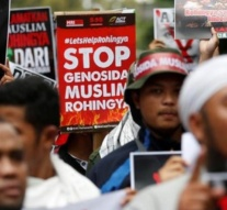 "Malaysia says Myanmar violence against Muslim Rohingya is ""ethnic cleansing"""