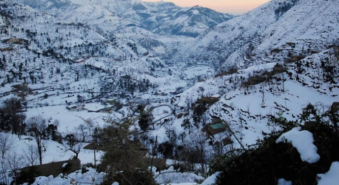 Less snowfall in Kashmir valley leaves experts, tourists worried