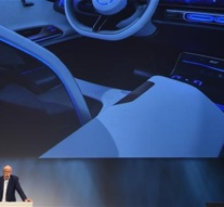 Daimler to supply self-driving cars for Uber