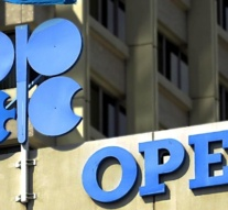 OPEC countries complying with agreed output cuts: IEA