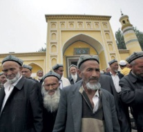 China sets rules on beards, veils to fight extremism in Xinjiang