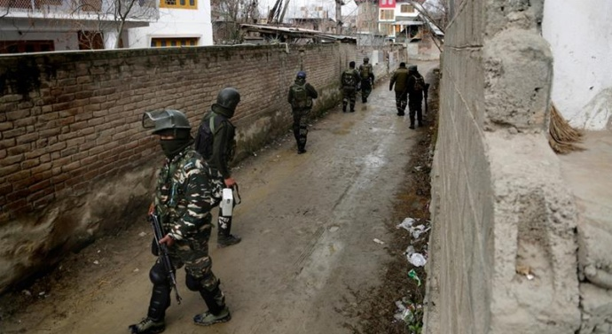 Security forces kill 15-year-old protester in Kashmir