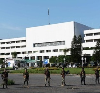 Pakistan: National Assembly votes overwhelmingly in favour of military courts