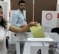 More than 1 million Turkish expats vote in charter referendum