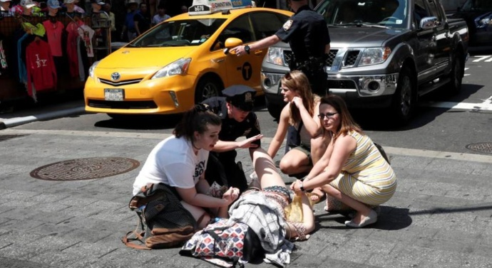 Speeding car kills 1, injures 20 in New York City's Times Square