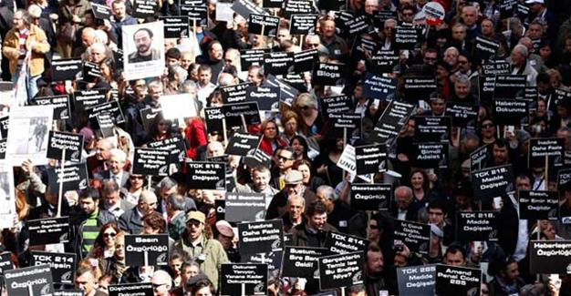 123 Turkish journalists on the run abroad: Report