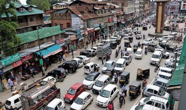 Transport, businesses resume in Kashmir after 3 days