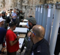 Jerusalem holy site tensions 'must ease by Friday'