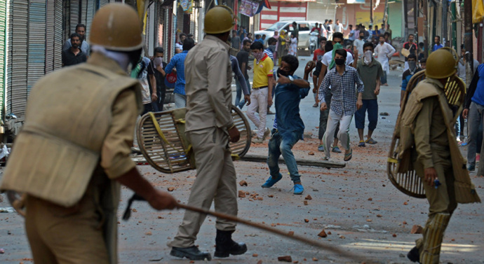 Clashes as Indian Kashmir marks key anniversary