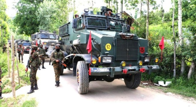 2 militants killed as gunfight rages in Pulwama