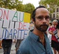 France convicts activist helping refugees over border