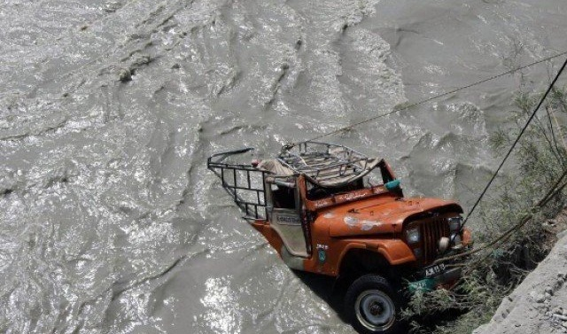 Kashmir: 7 family members dead as jeep plunges into gorge