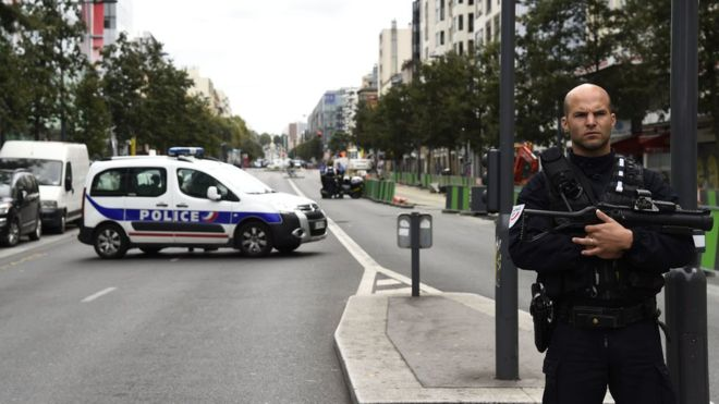 French Villejuif terror suspects 'wanted to blow up banks'