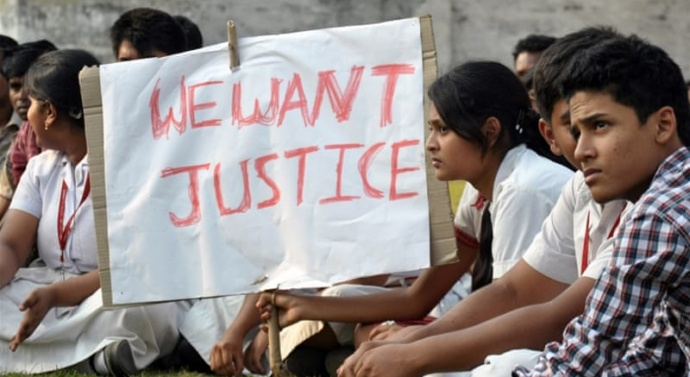 India arrests sect leader for allegedly raping woman