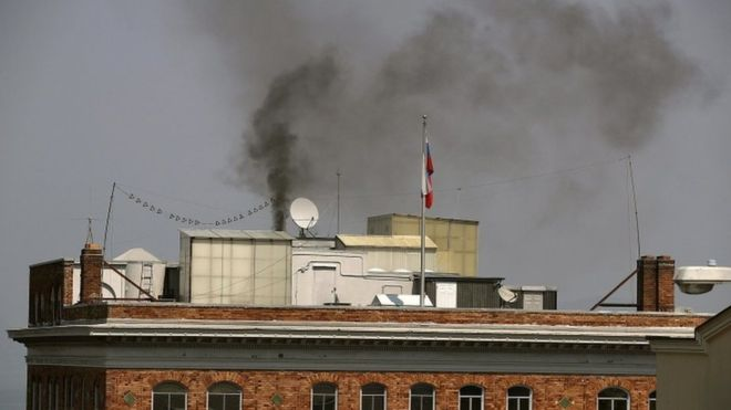 Russia served notice over San Francisco consulate fire