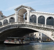 UK tourist in Venice hands big euro find to police