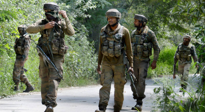 Kashmir: Two Air Force commandos, two LeT militants killed in Hajin shootout