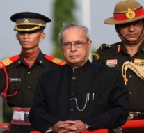 Pranab reveals he pulled Pakistan FM out of a Press meeting and told him to leave India