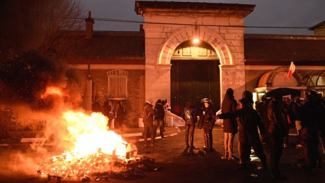 French prison guards in nationwide strike after attacks