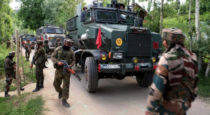 Kashmir teen who refused to give up militancy despite father's FB plea dies in Anantnag encounter