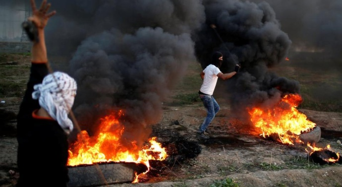 Two Palestinians killed by Israeli troops in Gaza clashes