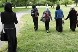 UK minister backs right to ban hijab in schools