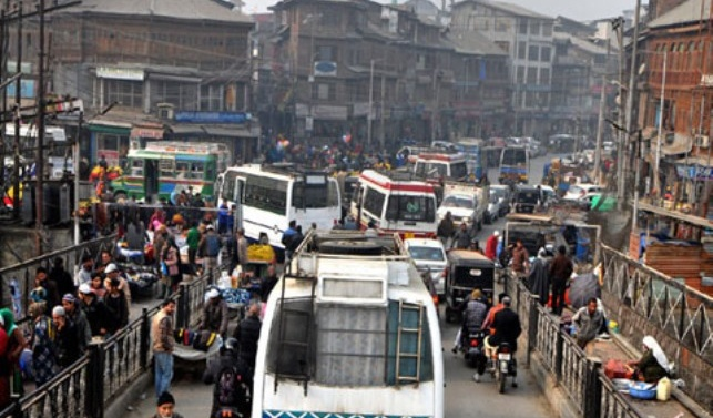 Life limps back to normal in Kashmir