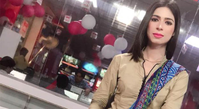 Transgender news anchor challenges barriers in Pakistan