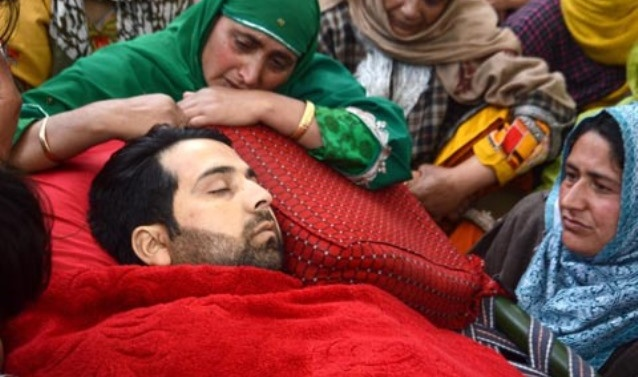 Kashmir gunfight: Four civilians, soldier killed; 60 youth injured