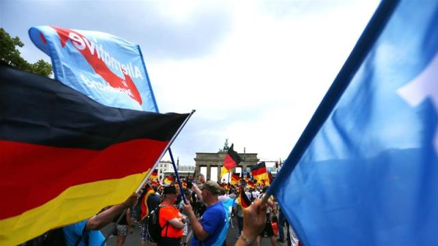 Germany: Thousands gather for far-right AfD and counterrallies