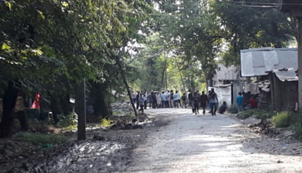 Civilian killed, five injured in clashes near gunfight site in Shopian