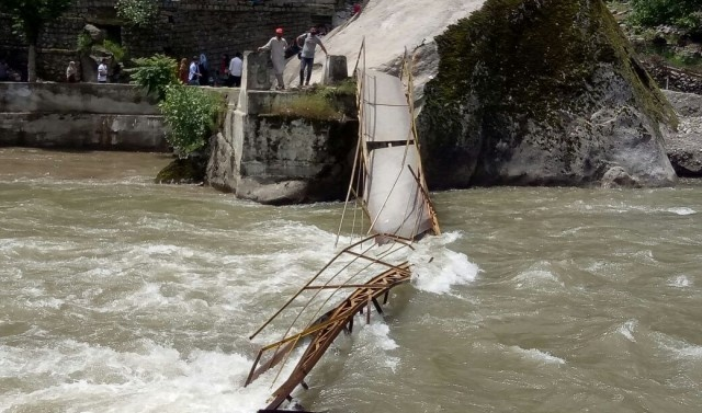 Kashmir: 22 tourists missing as bridge collapses in Neelum Valley