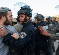 Israeli settlers clash with police during outpost eviction