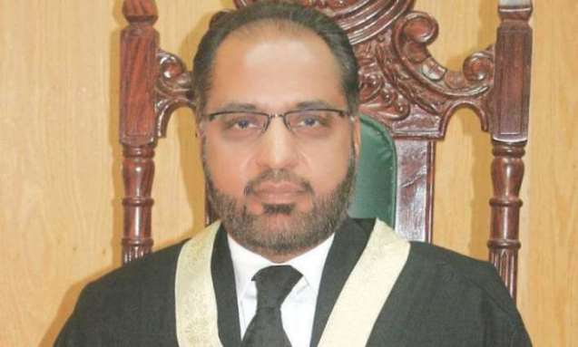 Pakistan: Army's top command should rein in spy agencies argues Islamabad High Court judge