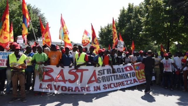 Migrant farmers strike in Italy after 16 road deaths