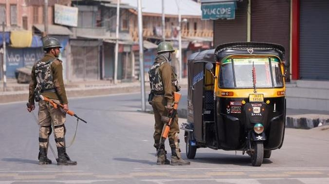 Militants kill three policemen on Eid day in south Kashmir