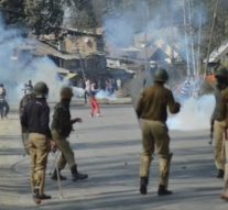 Seven injured after protesters clash with forces in south Kashmir's Shopian