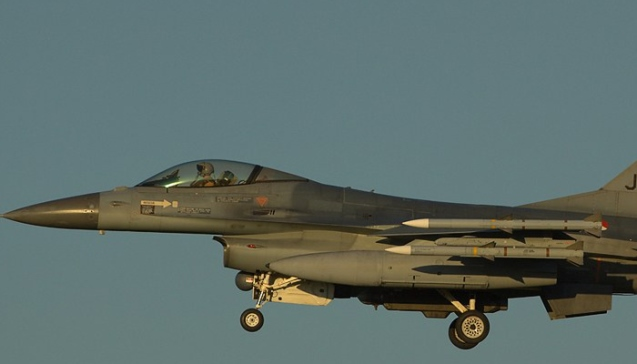 Dutch scramble F-16s after airline passenger scare