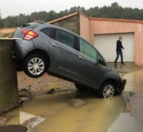 France: Red alert as flash floods kill 13 in south-west