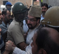 Kashmir: Mirwaiz put under house arrest on eve of civic polls