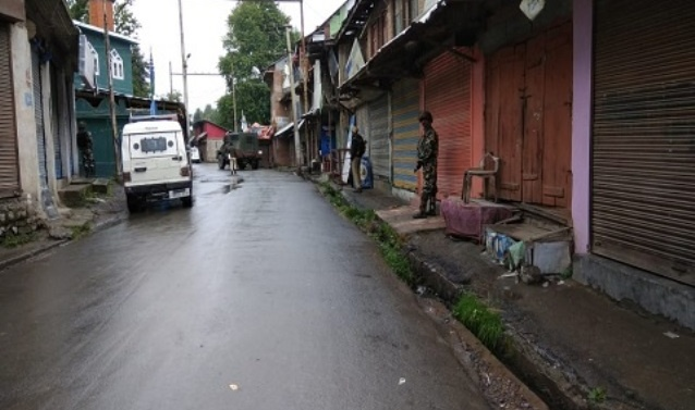 Militants attack police camp in Shopian in south Kashmir
