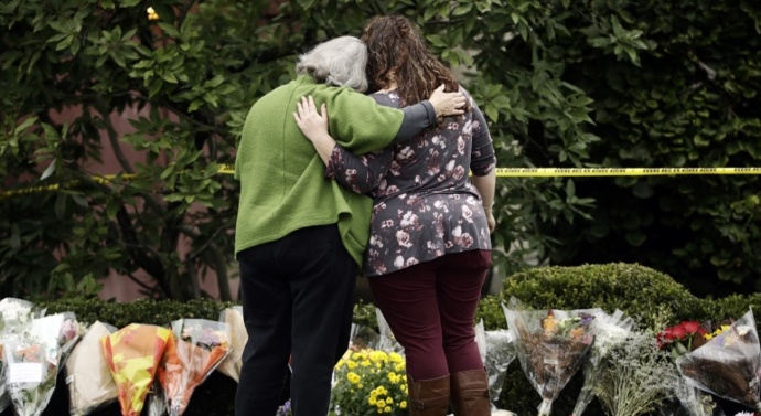 Pittsburgh shooting suspect Robert Bowers pleads not guilty