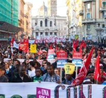 Thousands march in Rome to protest against 'climate of hatred'
