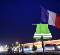 French government to rush through concessions for 'yellow vests'