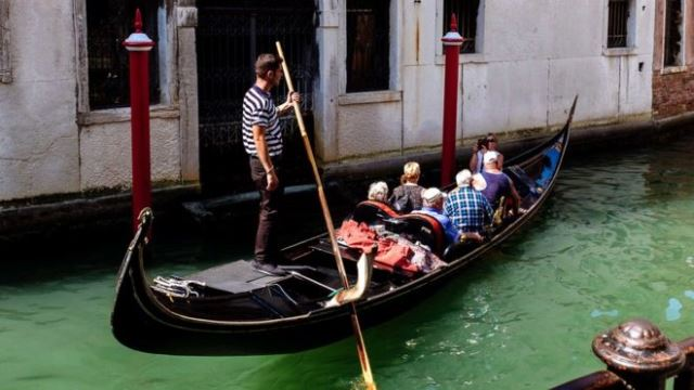 Italy: Venice to charge tourist entry fee for short stays