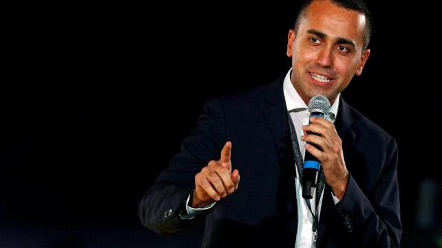 Italian populist leader di Maio shows support for Yellow Vest movement