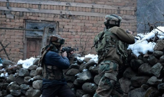 Kashmir: Gunfight breaks out in Tral village; clashes erupt