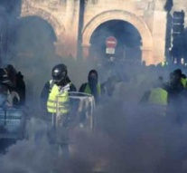Media watchdog condemns 'yellow vest' attacks on journalists