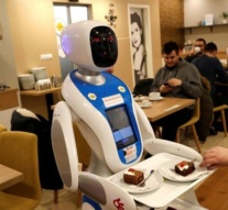 Robots serve up food and fun in Budapest cafe