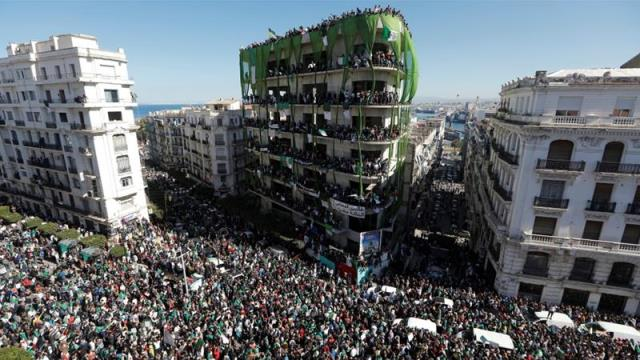 Huge protests in Algeria as allies turn on Bouteflika